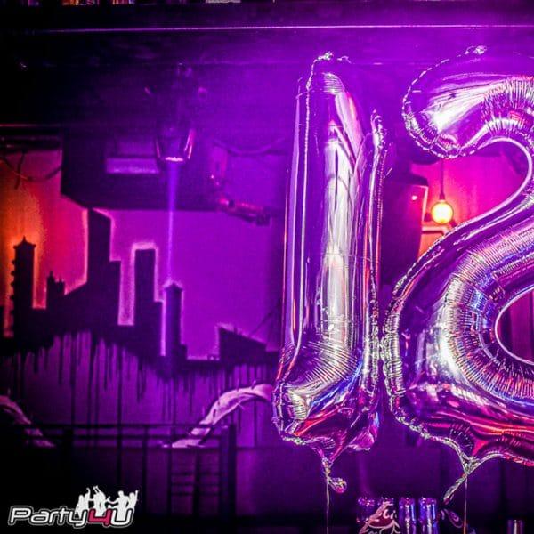 בלון 12 ענק לחגיגה במועדונים לבת מצווה של פארטי פור יו