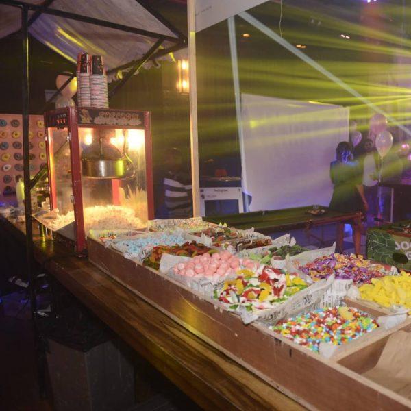 תמונה של ממתקים במועדון לבת מצווה